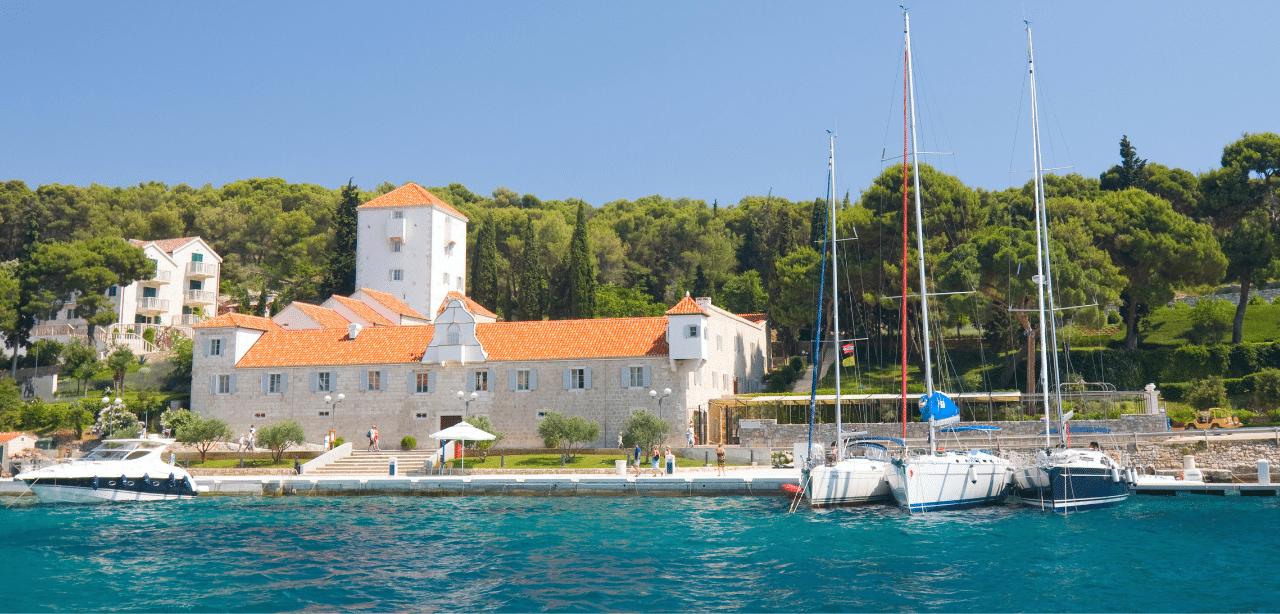 Maslinica, Solta Island yacht charter