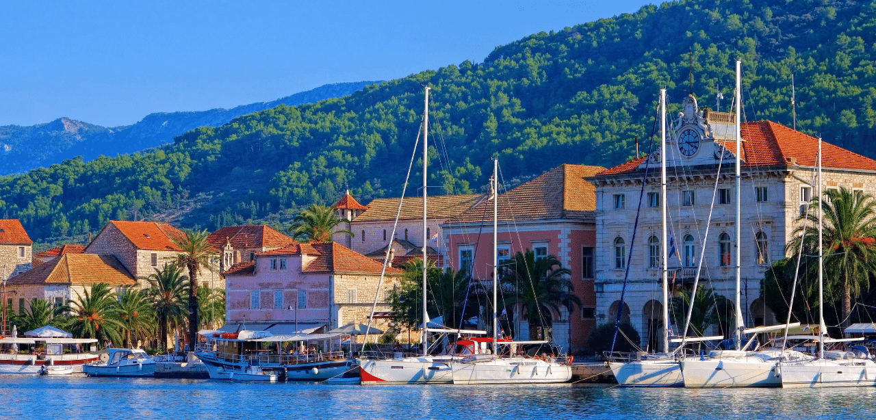 Stari Grad yacht charter