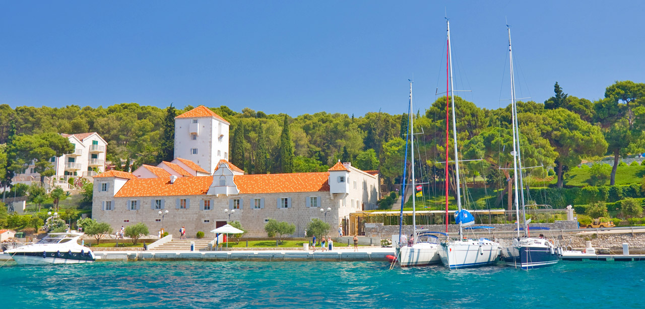 Maslinica_Solta_Croatia_Yacht_Charter